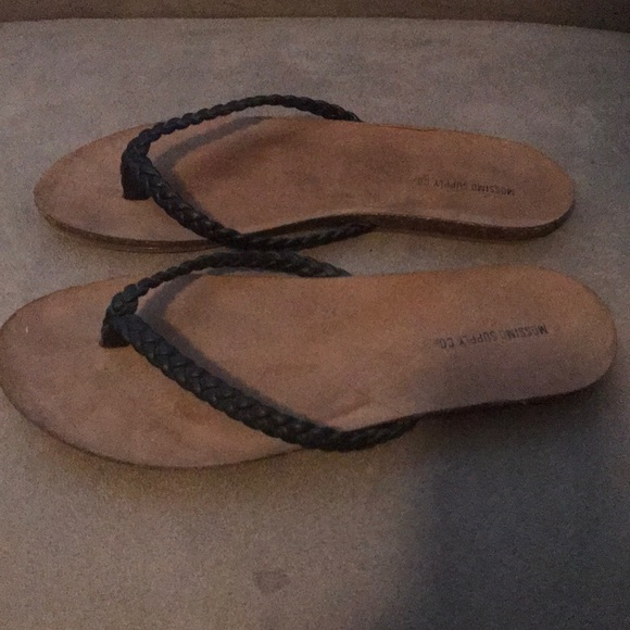 Mossimo Supply Co. Shoes - New Braided Thong Flip Flop. Sz 8. Black.